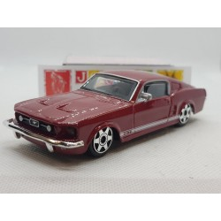 FORD MUSTANG GT ROUGE 1/43 BOITE